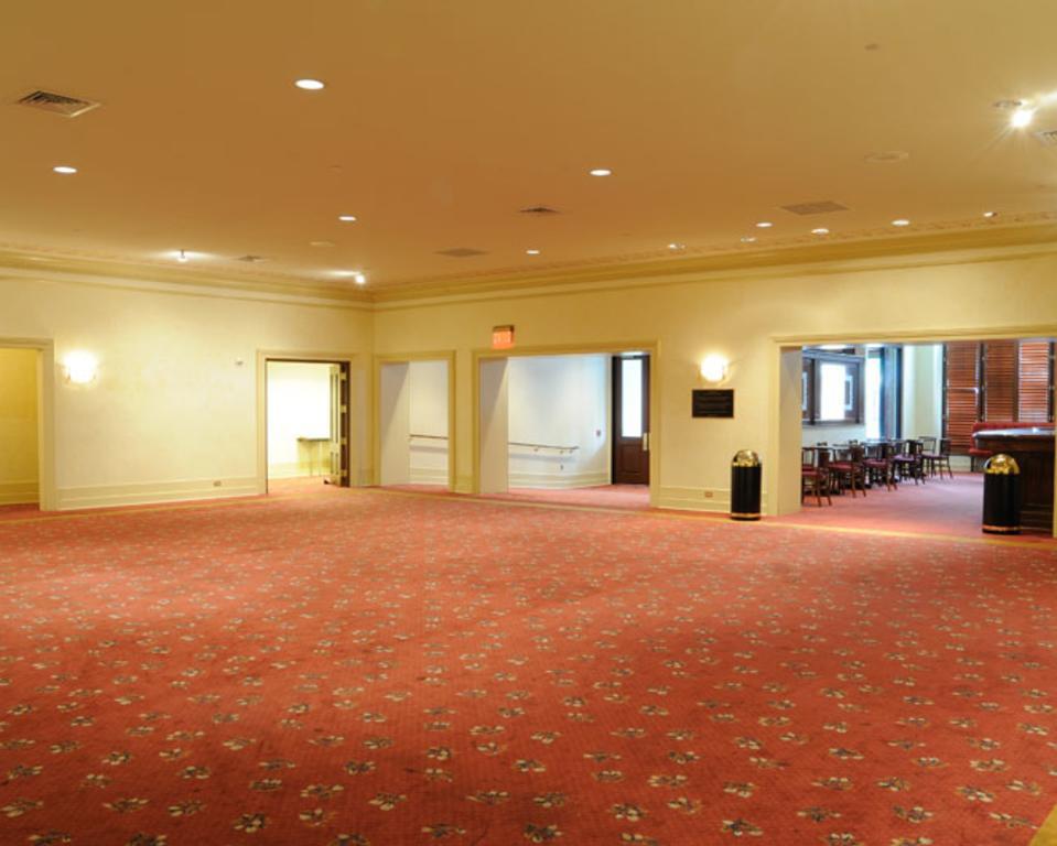 The Grand Opera House - baby grand lobby