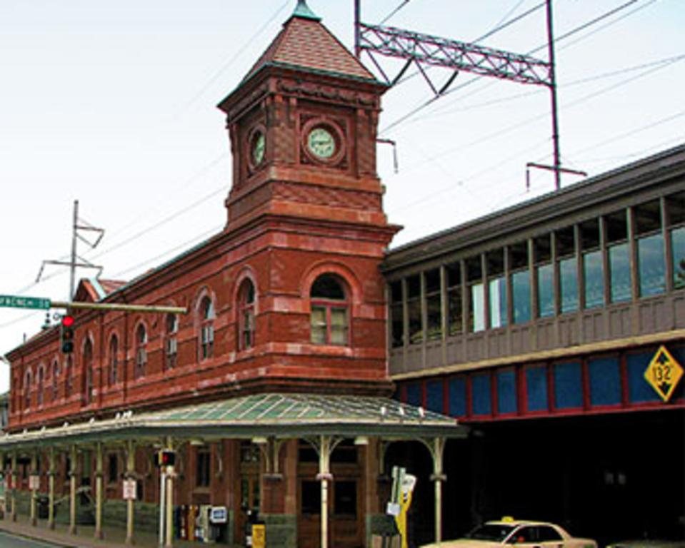 TRAIN STATION GARAGE