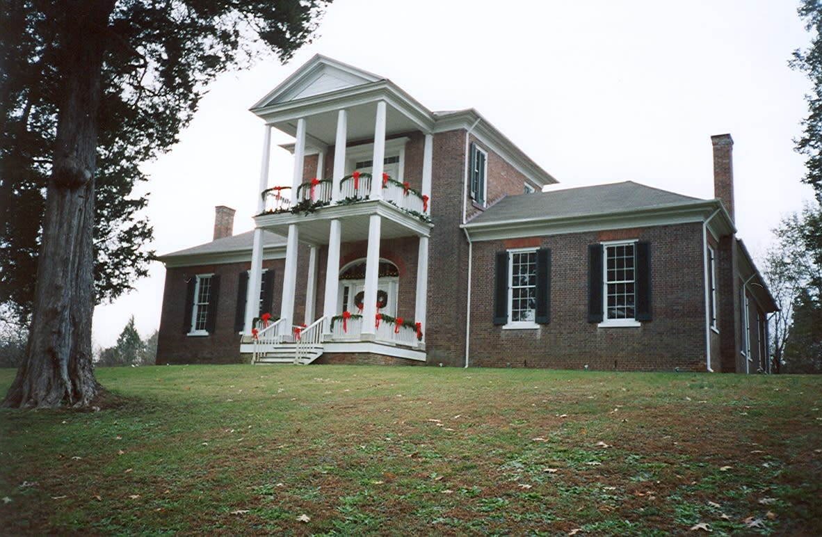 Plantation Christmas at Belle Mont Mansion in Tuscumbia