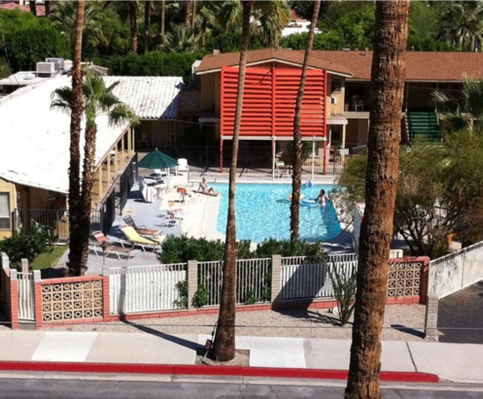 Aloha Hotel and Apartments