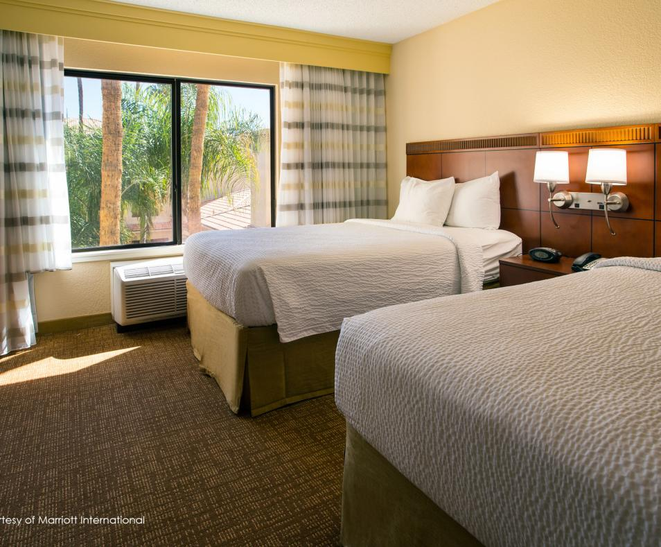 Courtyard by Marriott PS Double Beds