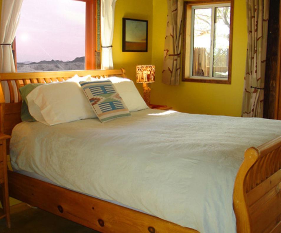 Ranch bedroom