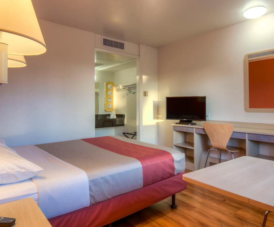 Motel 6 / Rancho Mirage