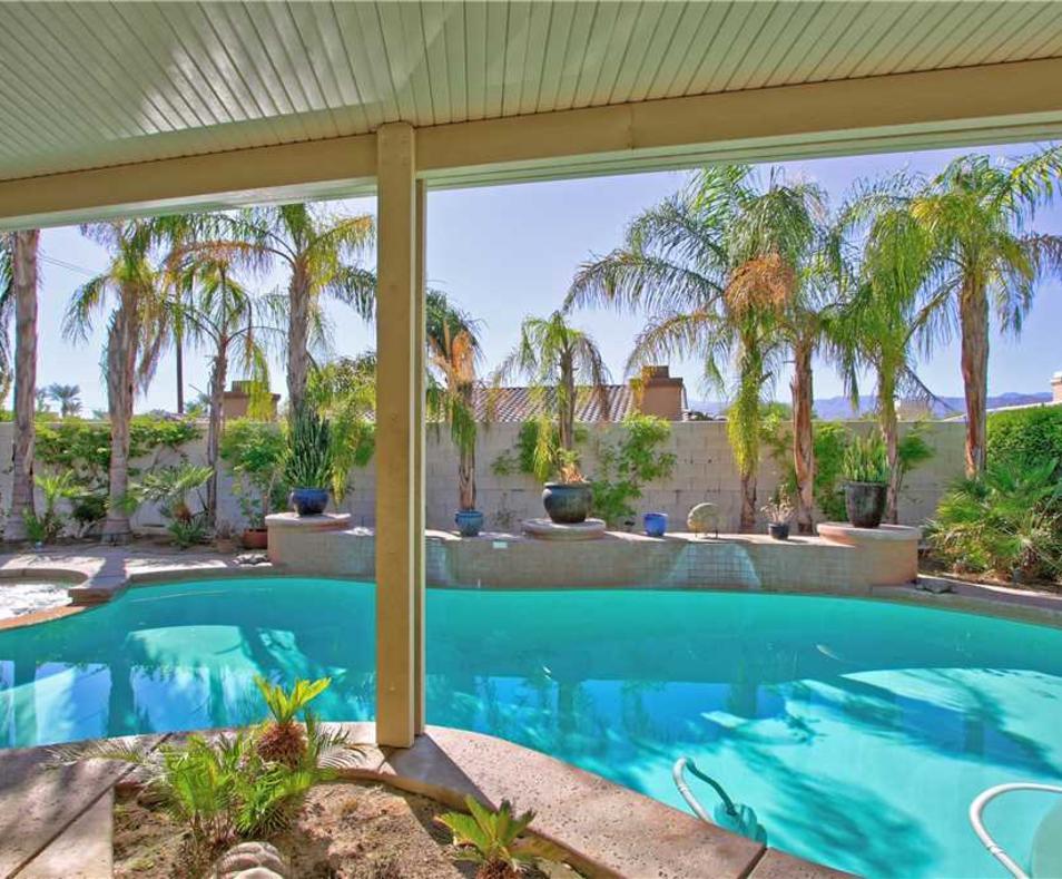 Victoria Falls pool