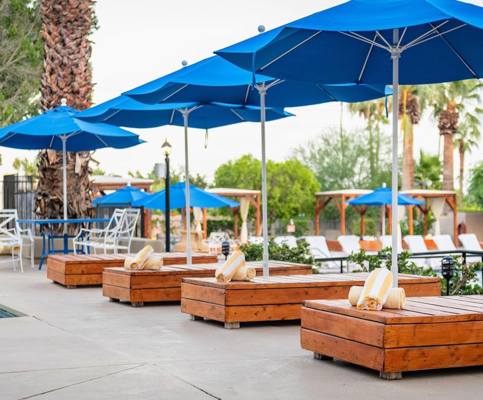 Ivy Palm Resort Pool furniture