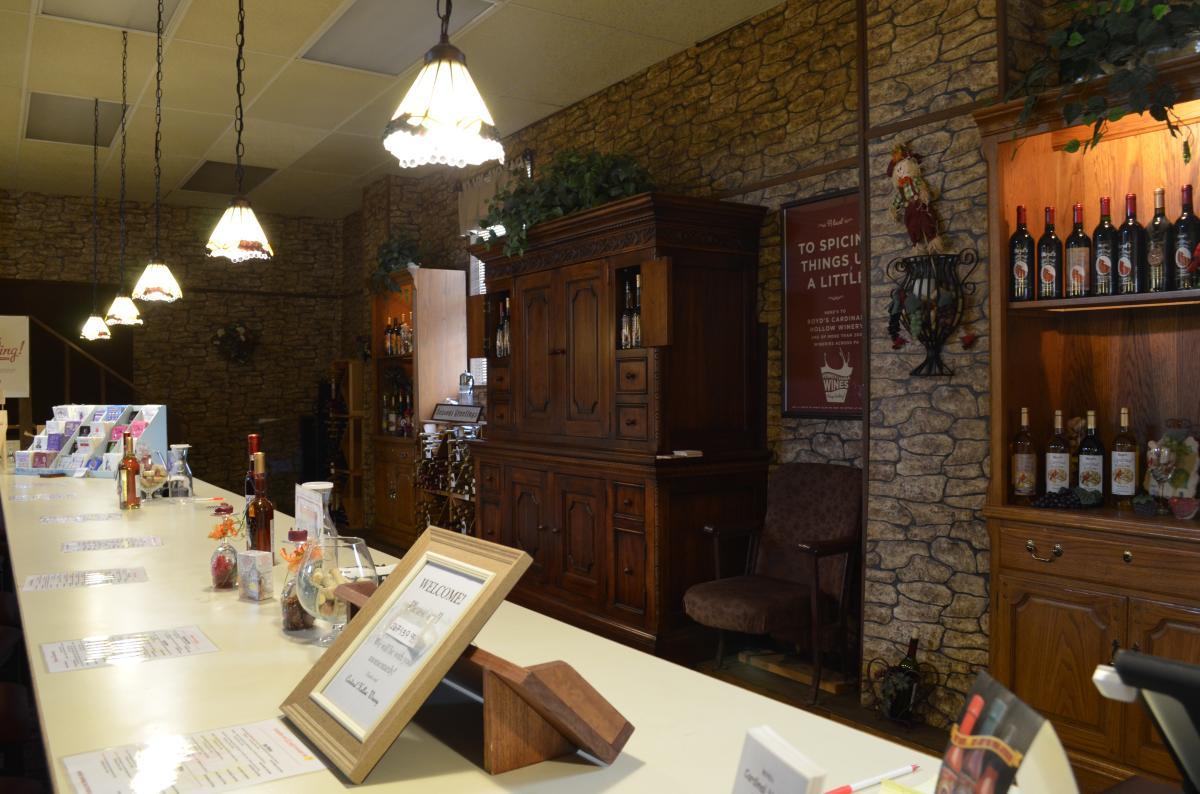 Boyd's Cardinal Hollow Winery Tasting Room