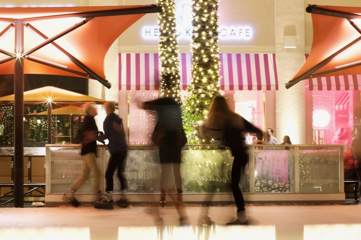 Irvine-Spectrum-Holiday-Christmas-Ice-Skating-Michelle-McCoy