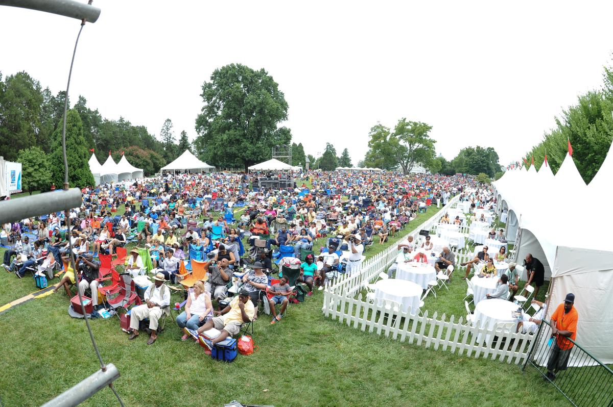 Jazz Fest crowd
