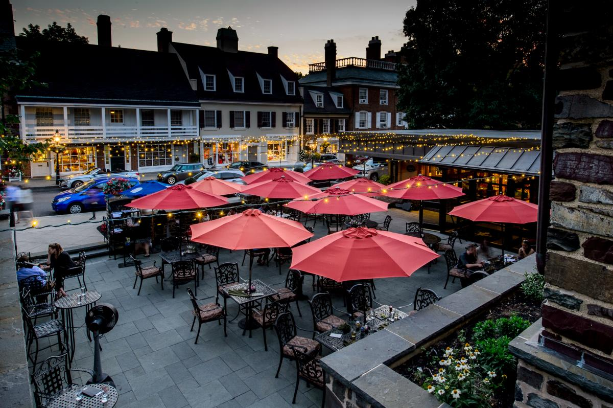 Princeton NJ Restaurant Patio with string lights and parking spots