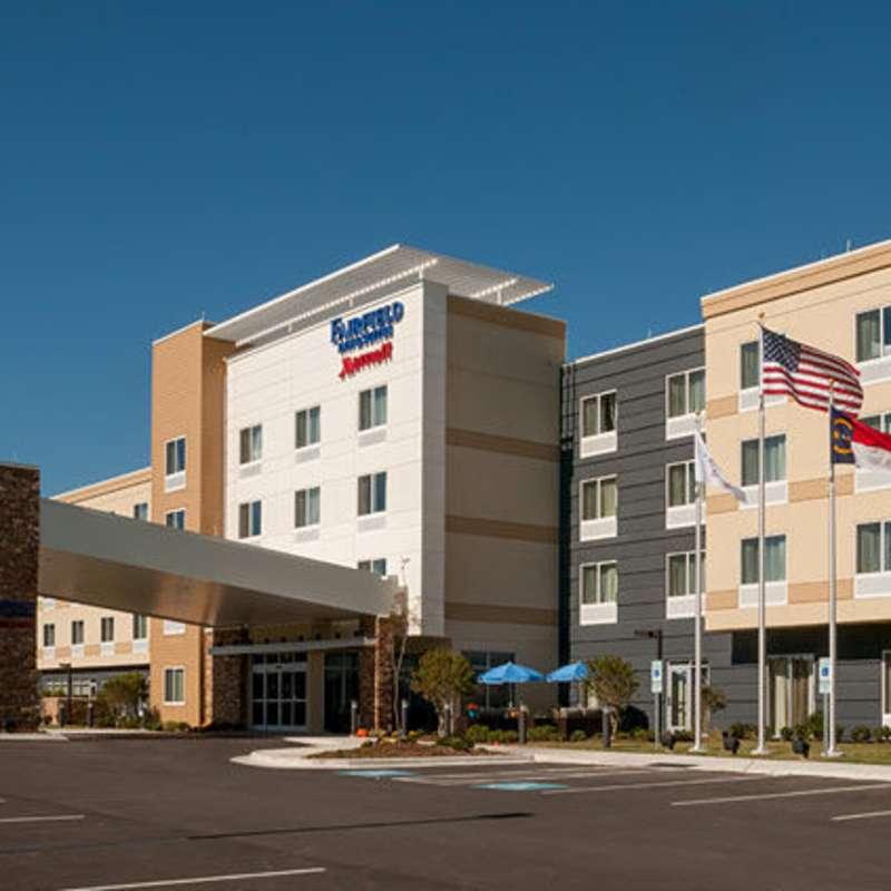 Fairfield Inn & Suites - Fayetteville North