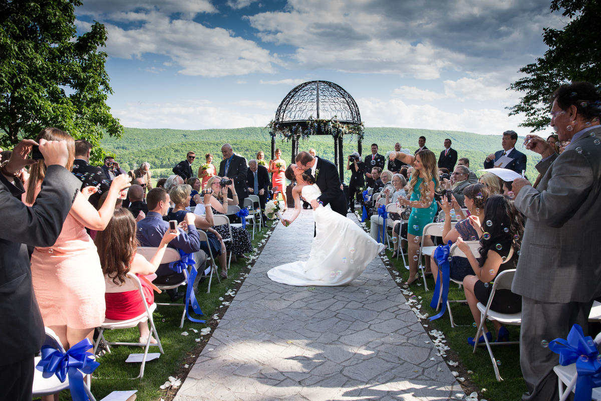 Weddings in the Pocono Mountains - Stroudsmoor Country Inn
