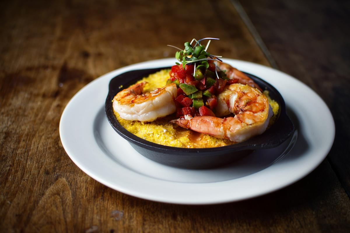 Earl's New American Shrimp & Grits
