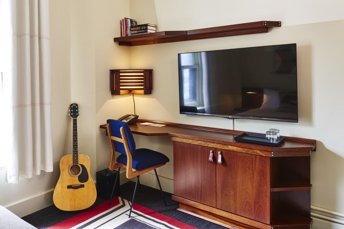 Room Desk at Freehand Chicago Hotel