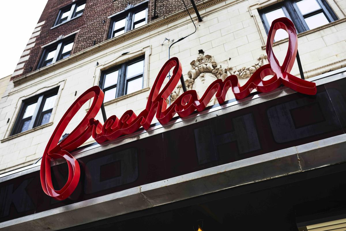 Freehand Hotel Chicago Sign