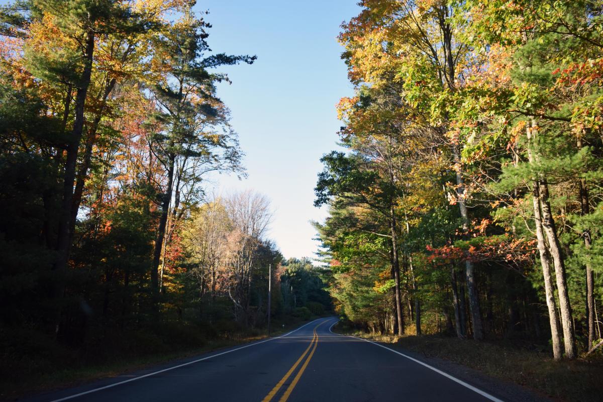 Scenic Fall Drive Along Route 6 in the Pocono Mountains
