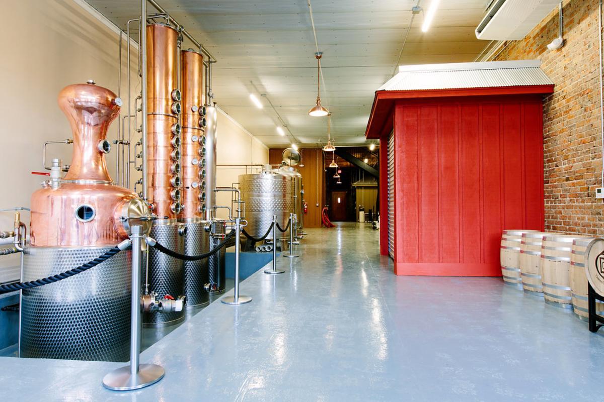 Oaklee Distilling