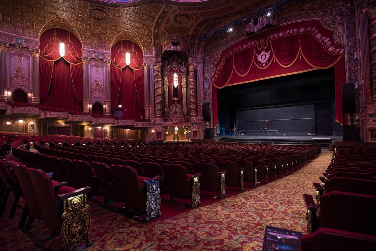 Kings Theatre. Photo by Julienne Schaer.