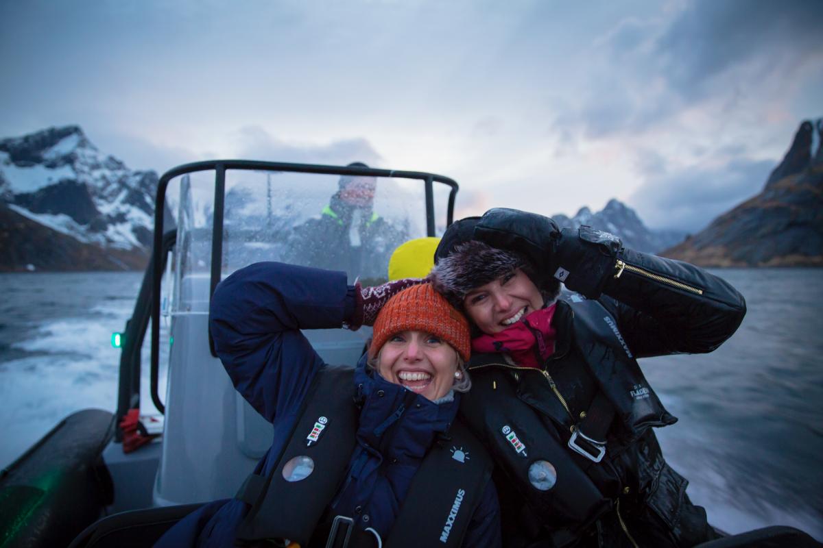 Tina Nordström og Sanna Nielsen gjorde mer enn å lage god mat i Lofoten.