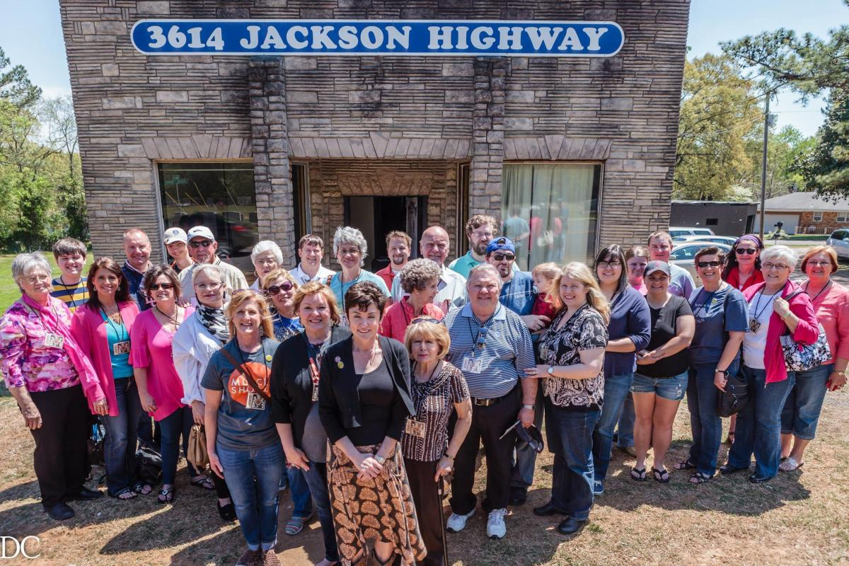 Holiday Swampette Tour of Muscle Shoals Sound, FAME, and Alabama Music Hall of Fame