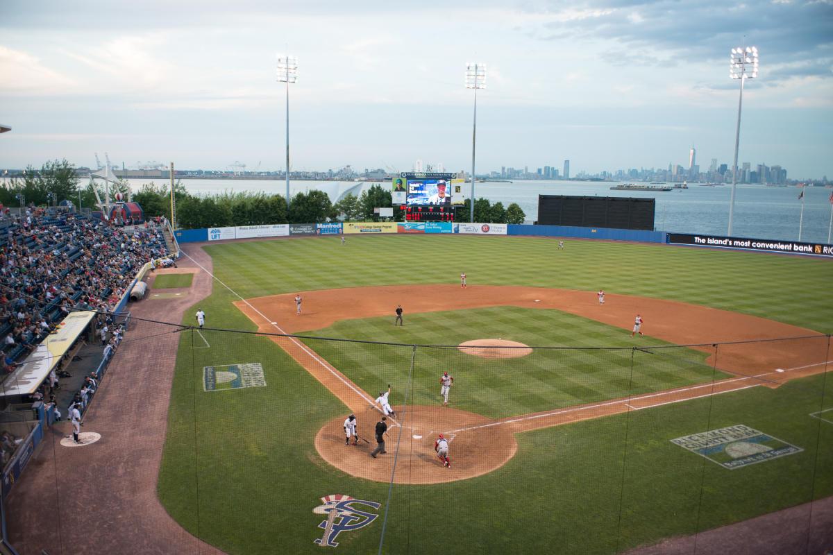 Staten-Island-Yankees-st-george-staten-island-nyc-JulienneSchaer_093