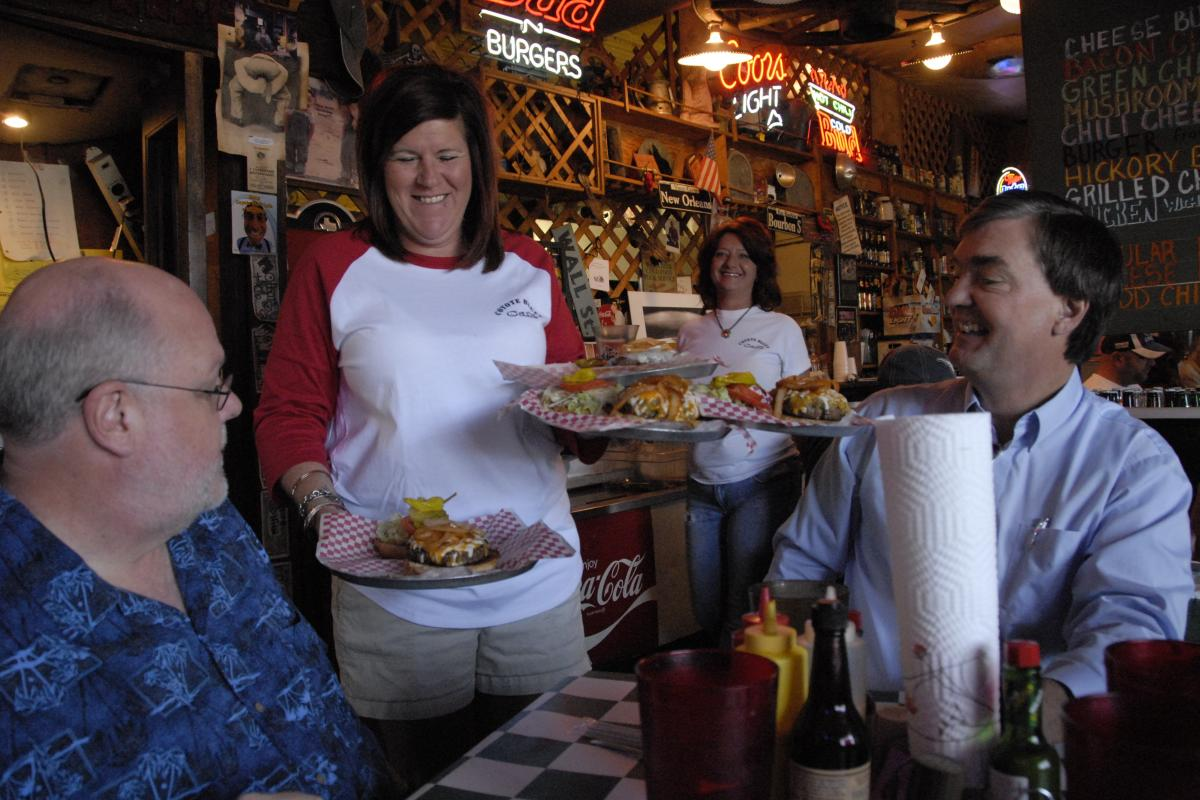 people eating at Coyote Bluff Cafe