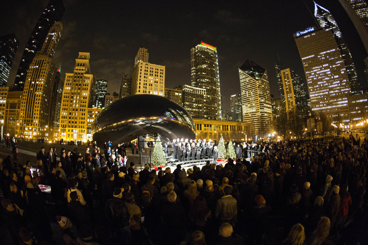 Caroling at the Cloud Gate