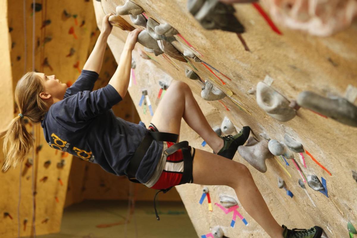 indoor-climbing-estes-park-mountain-shop