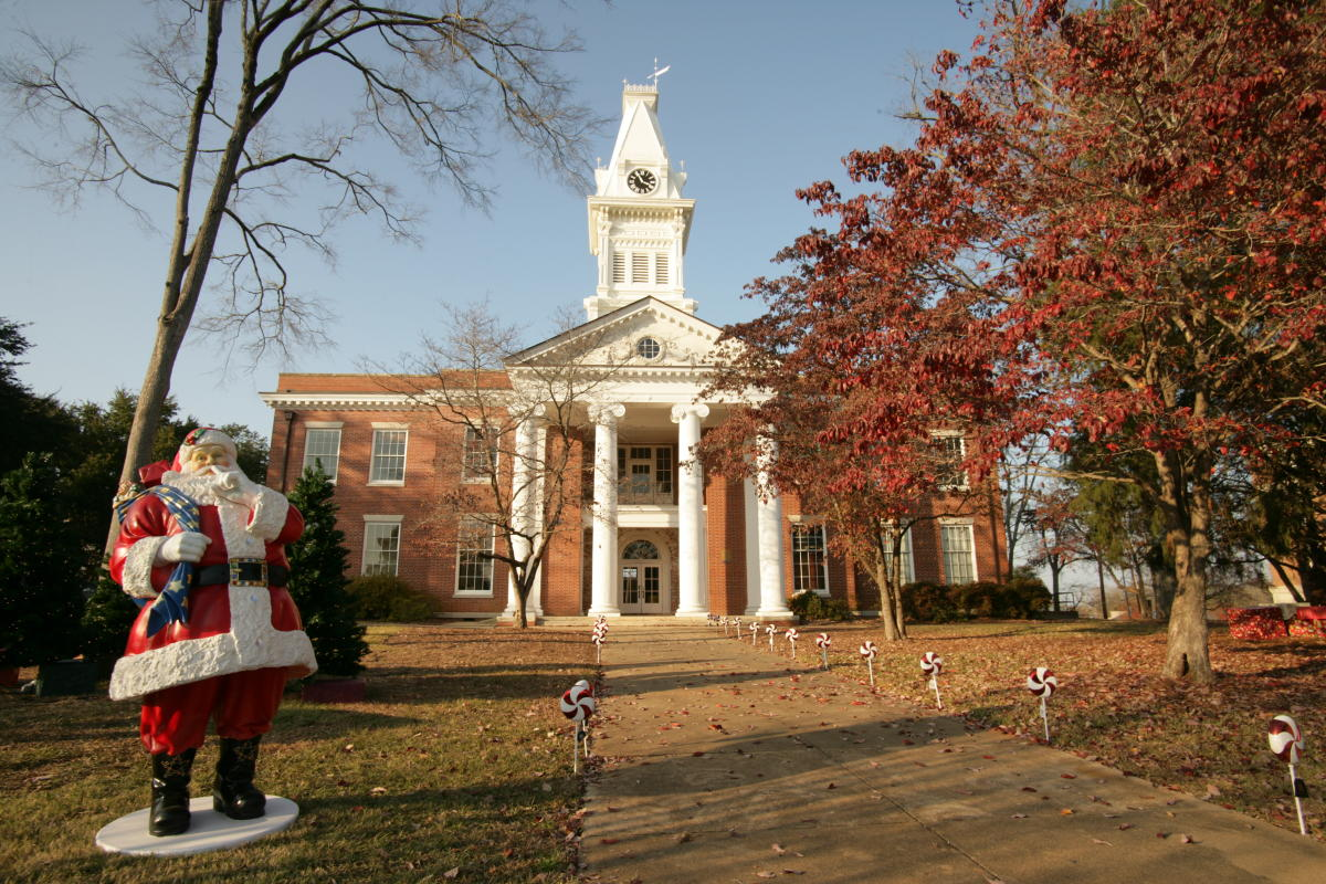 Old Courthouse at Christmas