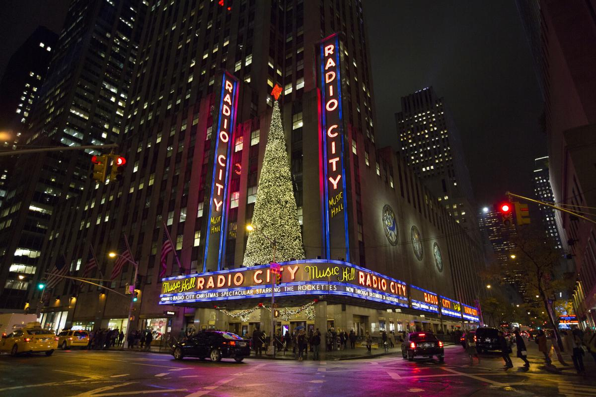 Radio City Music Hall, Exterior, EXPIRES