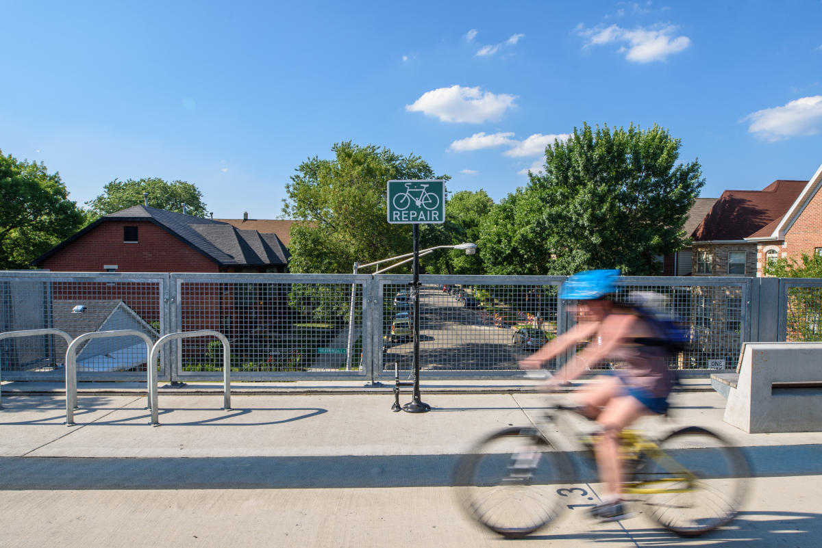 Bicyclist on The 606 in Chicago