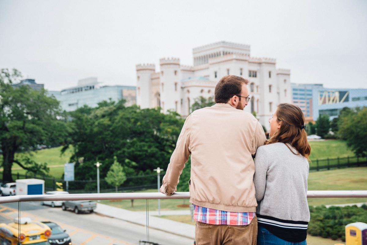 Couple Tour downtown OSC