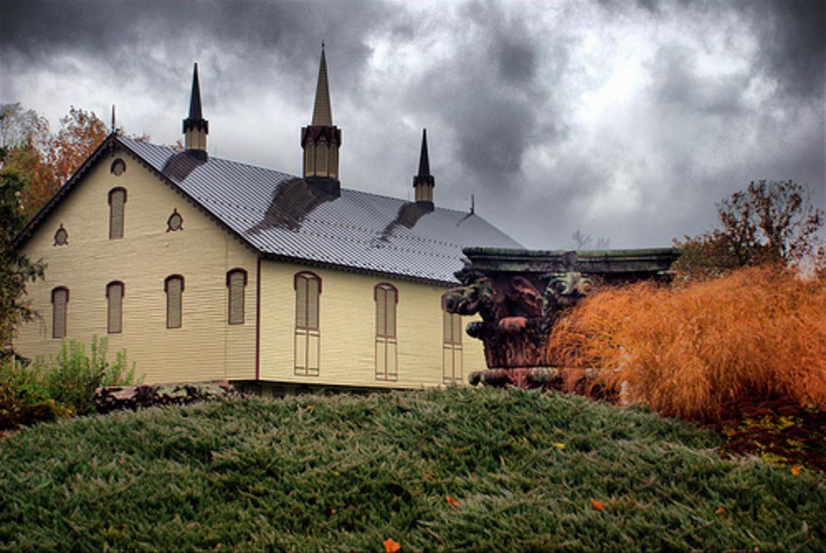 Fort Hunter Mansion Barn in Fall - Harrisburg