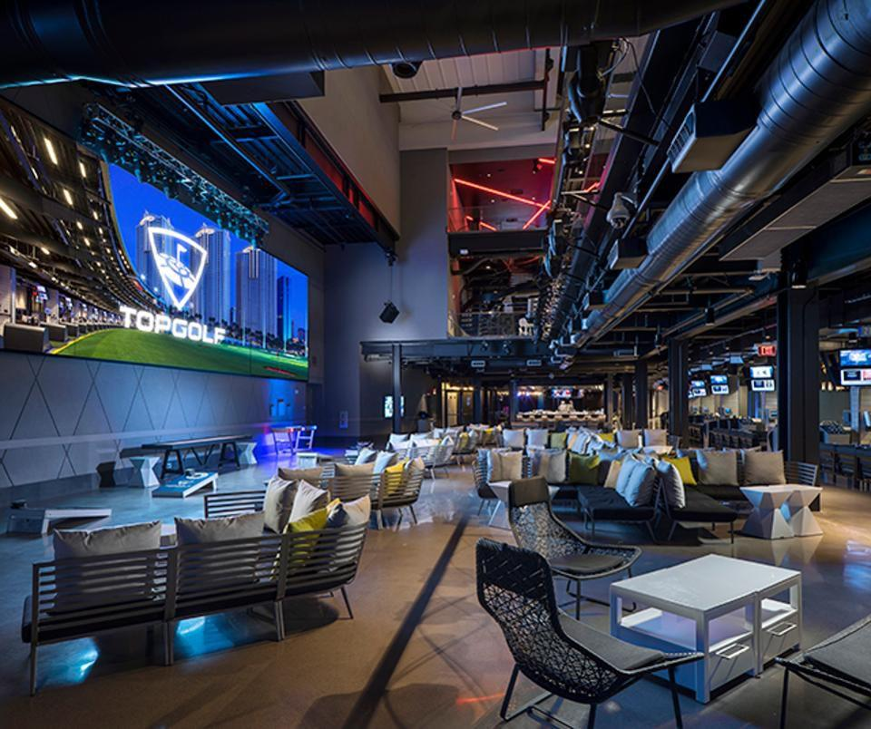 Top Golf Las Vegas Interior