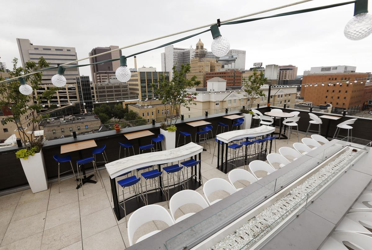 Dine outdoors on the La Vetta rooftop in Rochester, MN