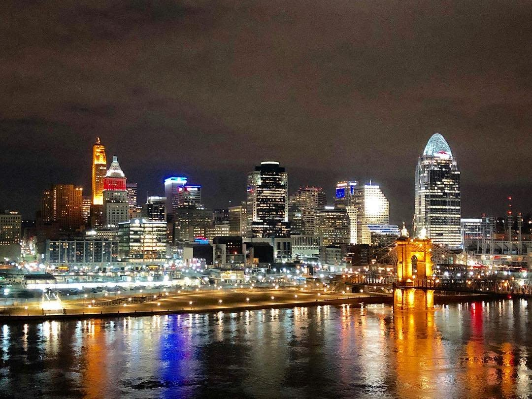 Sparkling view of Cincinnati Skyline at night from 10 West restaurant in Northern Kentucky