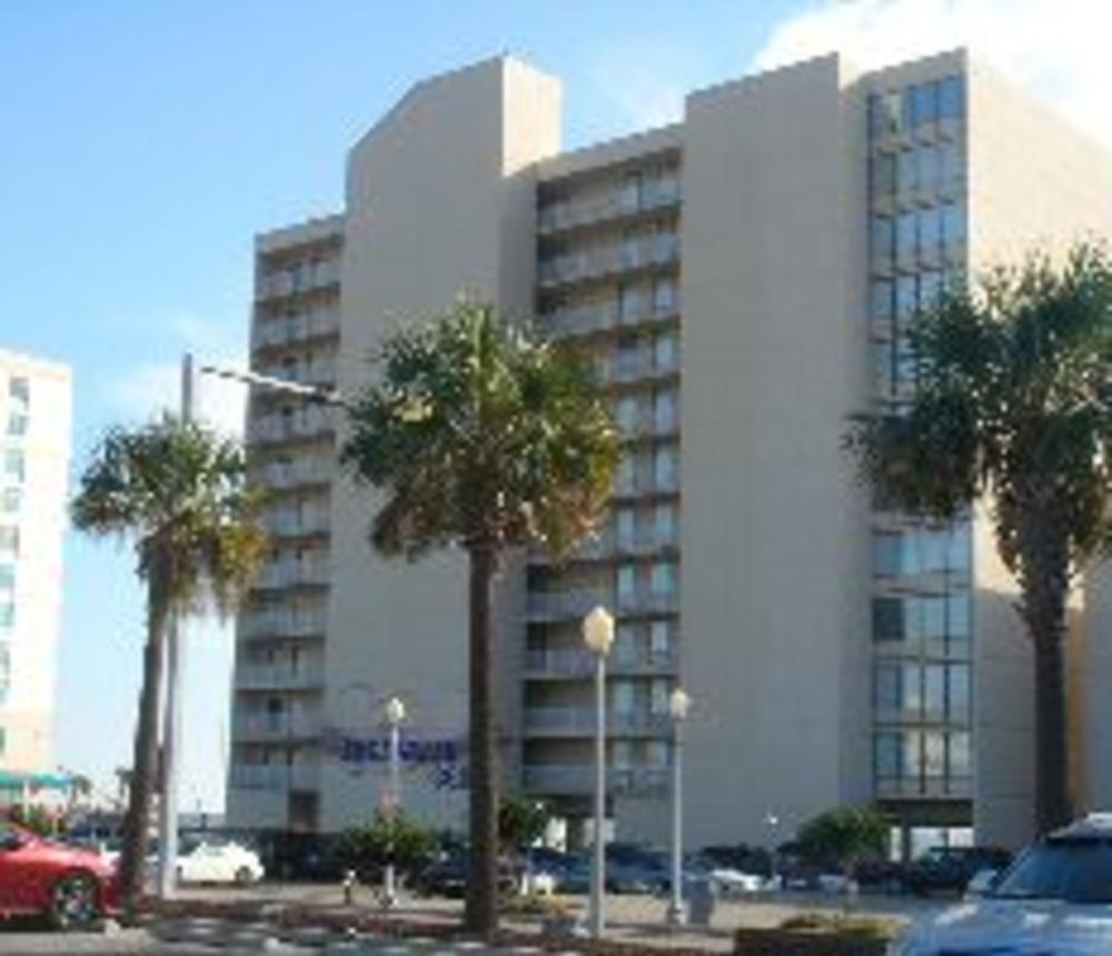 Edgewater_Condominiums.jpg