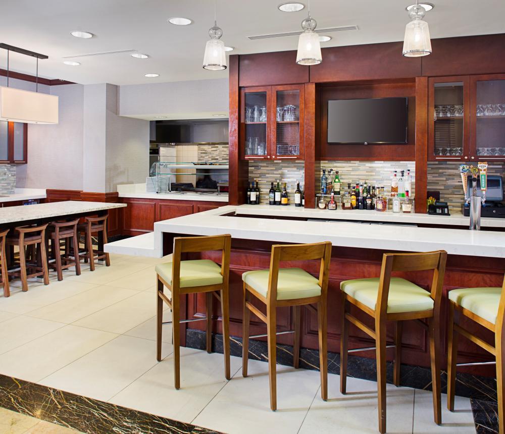 Bar/Lounge Area