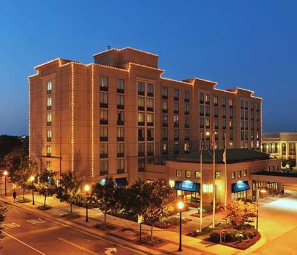 Hilton Garden Inn Town Center.jpg
