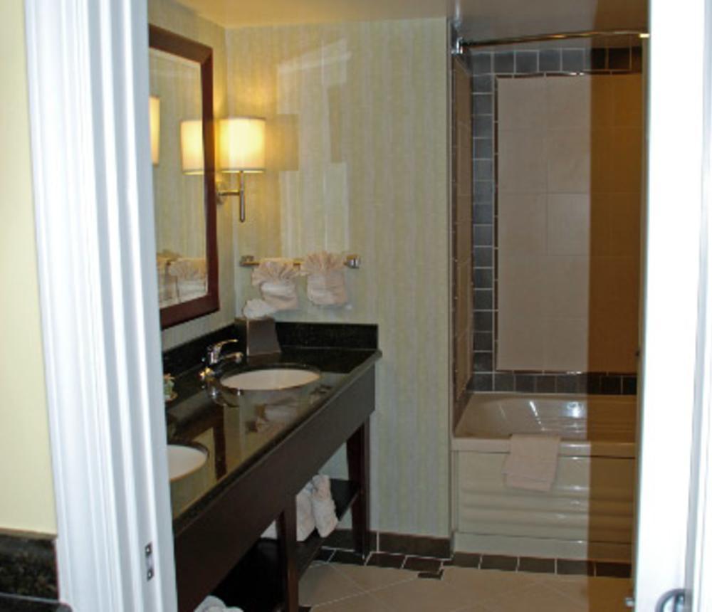 Ocean_Beach_Club_Timeshare_Bathroom.jpg
