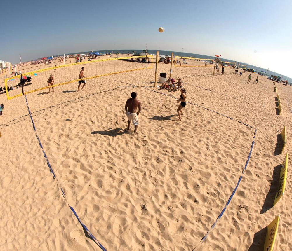 Virginia_Beach_Oceanfront_2.jpg
