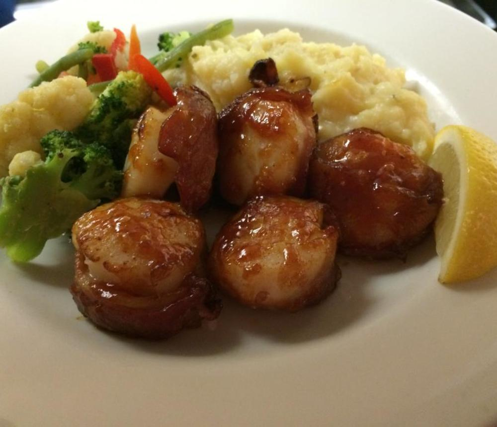 bacon-wrapped-bbq-scallops.jpg