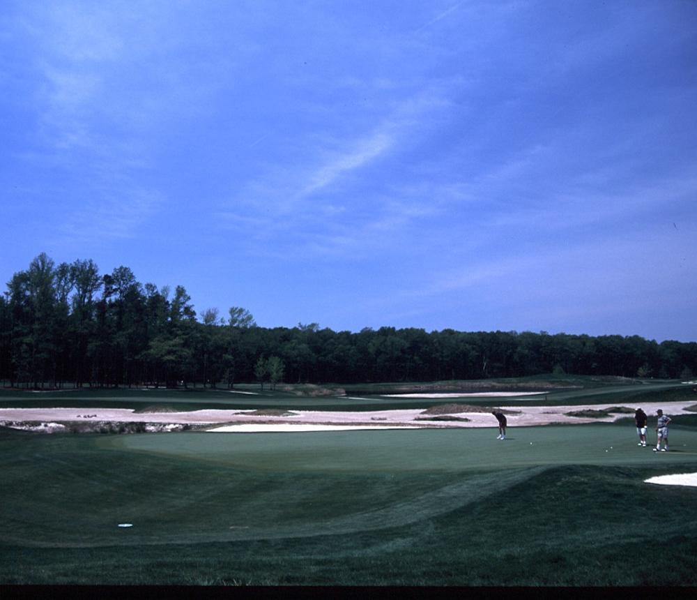golfers_on_green.jpg