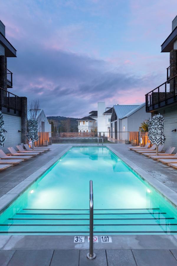 Las Alcobas Pool