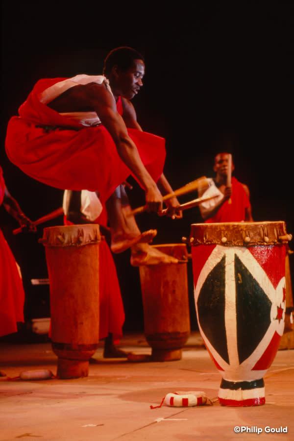 ©Philip Gould 89FEIN00943 Burundi Drummers cu