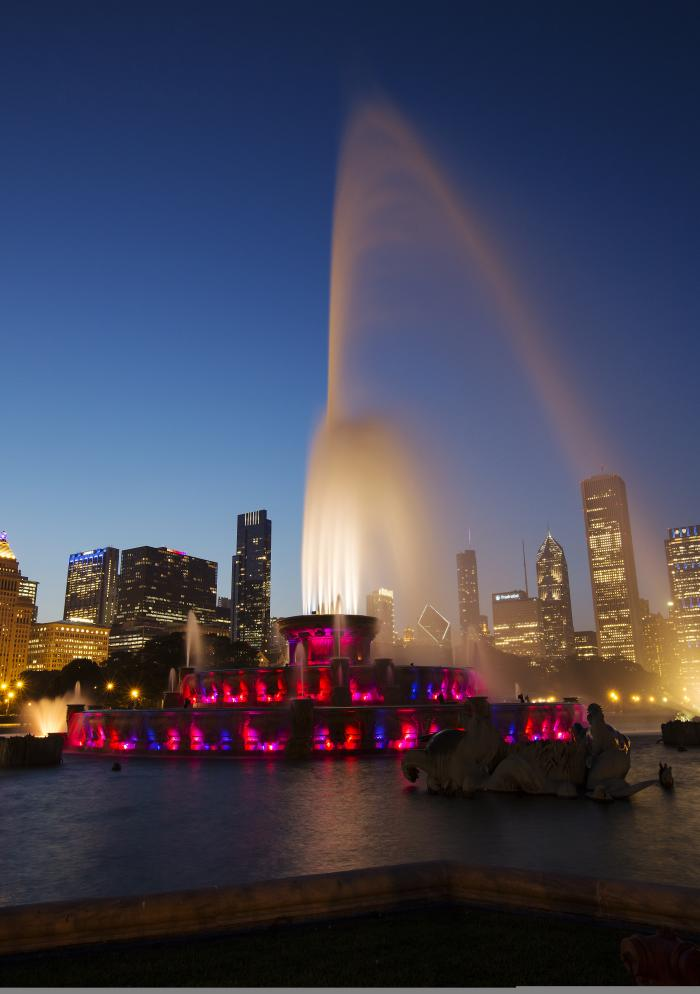 Buckingham Fountain at Night - 1