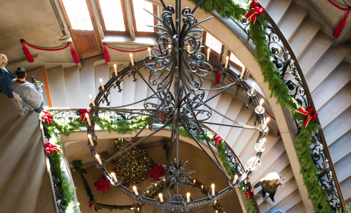 Christmas at Biltmore Estate Spiral Staircase & Chandelier 2017