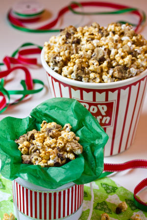 Caramel Chocolate Chip Cookie Popcorn #Recipe | ExploreAsheville.com
