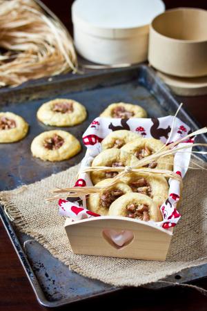 Caramel Pecan Sticky Bun Cookies #Recipe | ExploreAsheville.com