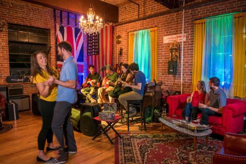Asheville Guitar Bar