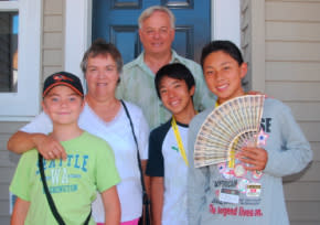 Grand Rapids host family with Japanese exchange students